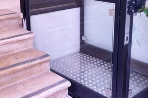 Abbattimento barriere architettoniche: pratiche ferme al 2014