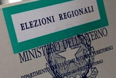 Domenica di voto, urne aperte sino alle 23