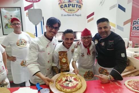 """Da Gravina a Napoli tra i  """"big """" della pizza"""