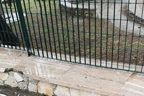 Pineta transennata dopo atti vandalici