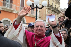 Auguri di buona Pasqua 2017 del Vescovo Giovanni Ricchiuti