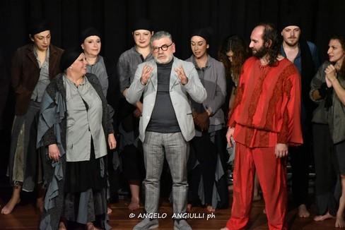 """Teatro: tutti in piedi per  """"La Cattedrale """""""