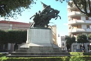 monumento caduti3