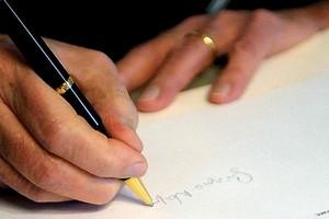 napolitano firma decreto1 e1275319263537