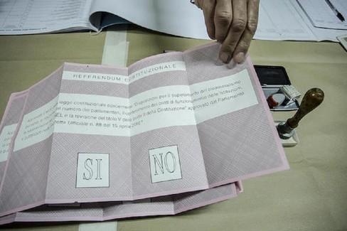 Elezioni: secondo giorno di voto per referendum e regionali