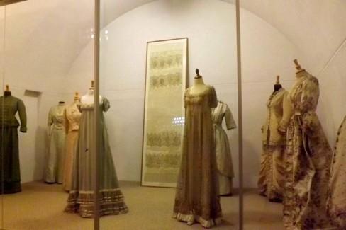 Gli abiti d'epoca della Fondazione  Pomarici  Santomasi