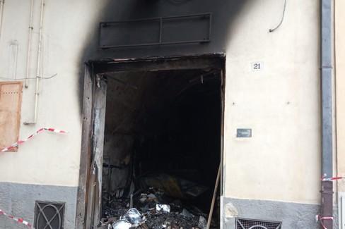 I danni dell'incendio - Foto Gravinalife