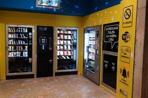 negozi vendita cibo e bevande h 24
