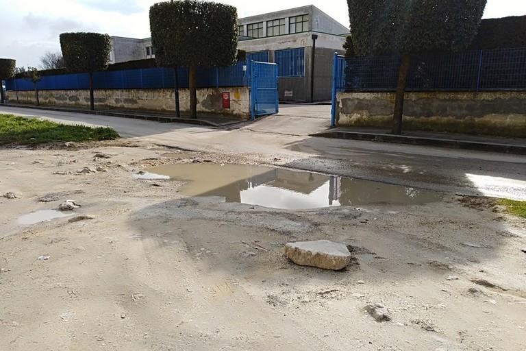 Piazzale antistante scuola
