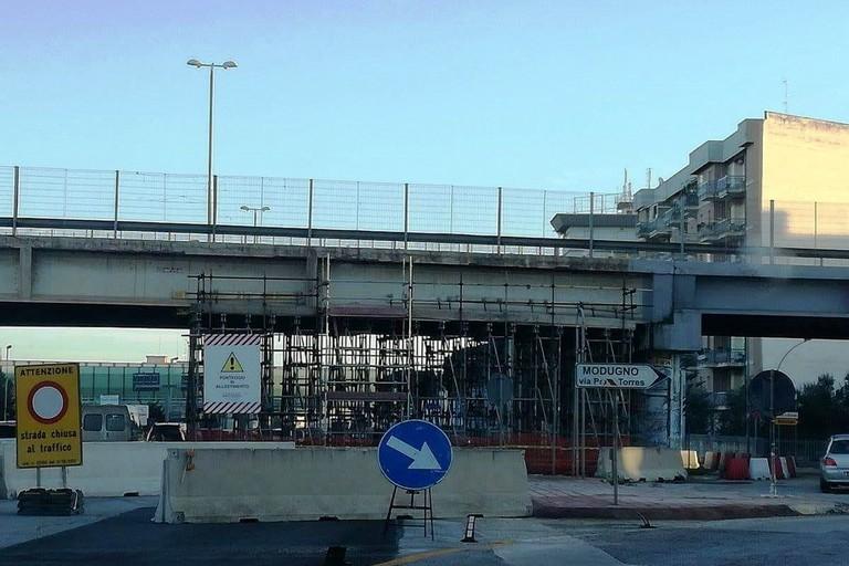 Ponte Modugno interrotto per danni