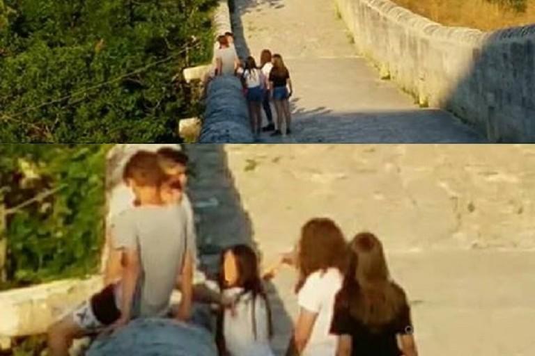 Ragazzini sorpresi sul parapetto del Ponte Acquedotto