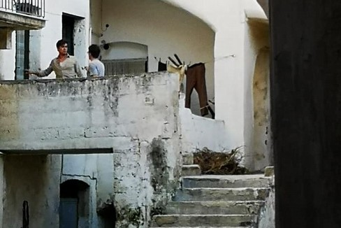 Riccardo Scamarcio a Gravina sul set de