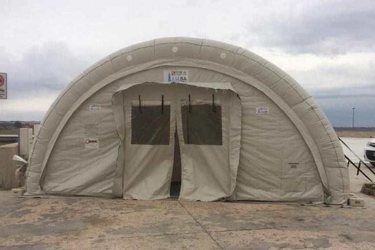 Tenda del pre-triage all'Ospedale della Murgia