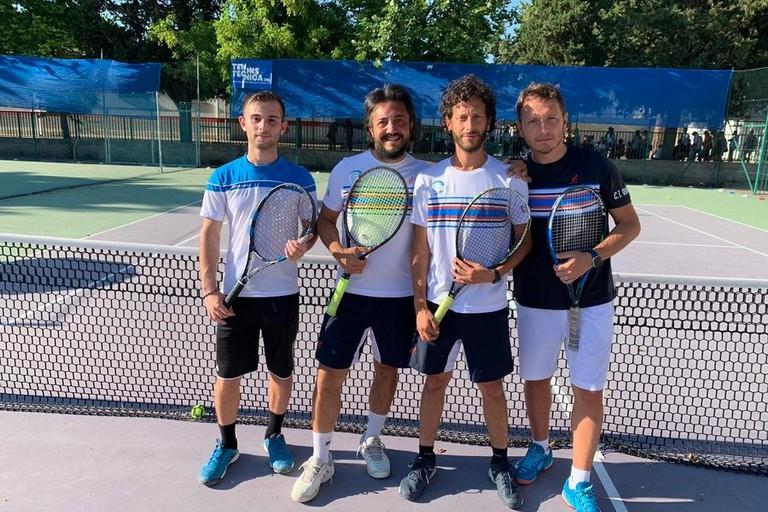 nella foto Da sinistra: Luca Ciampo, Michele Dell'era, Salvatore Pepe (capitano giocatore), Michele Loglisci